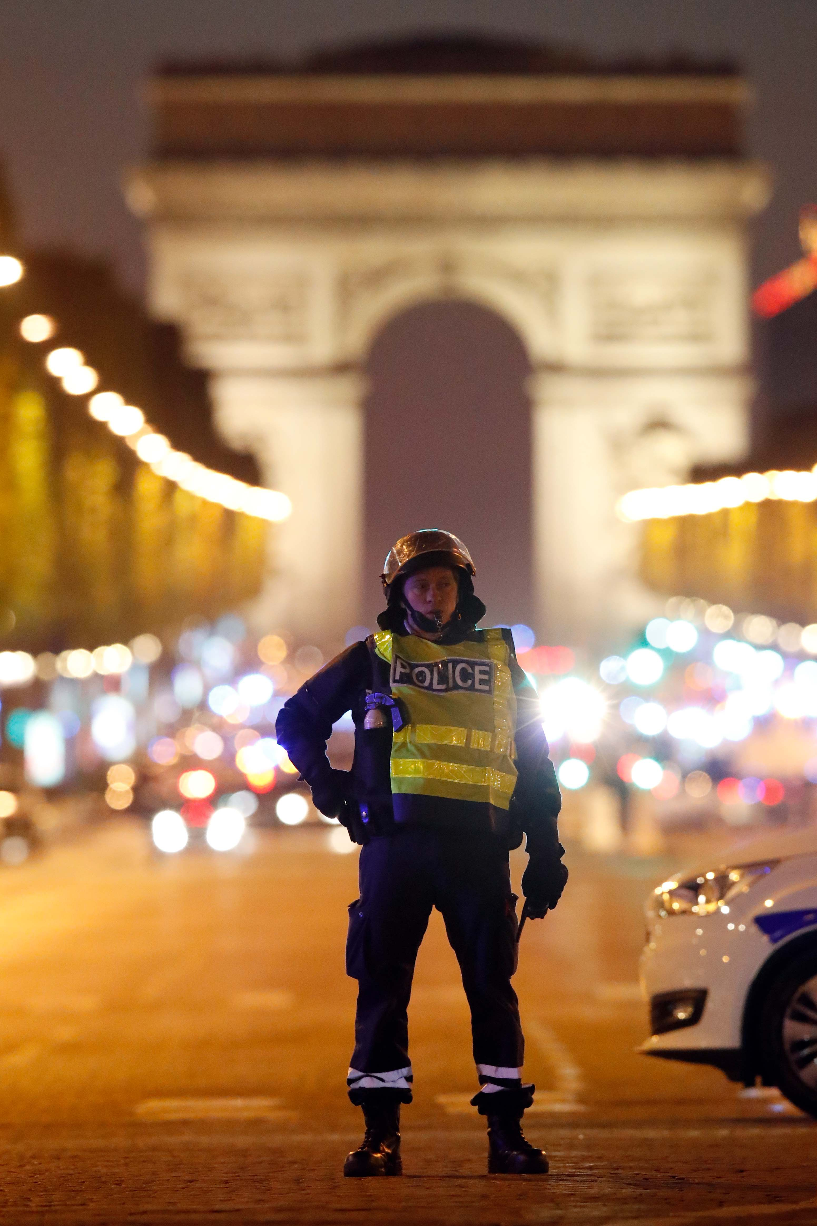 Police secure the Champs Elysees Avenue after one policeman was killed and another wounded in a shooting incident in Paris, France on April 20, 2017. (REUTERS/Christian Hartmann)