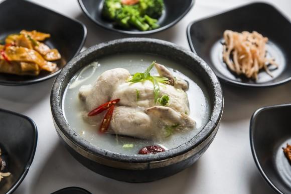 Samgyetang, ginseng chicken soup. (Samira Bouaou/The Epoch Times)