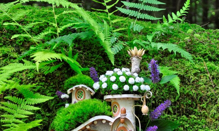 Victorian Mossy Cottage (Courtesy of Sally J. Smith)