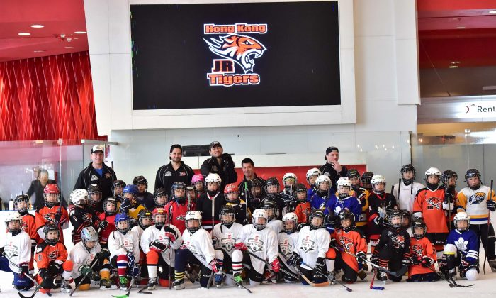 A group of Junior Tigers at the 2017 Easter Camp at Elements Hong Kong together with head instructor Brad Smyth (Back Row L) and his assistant instructors. (Eddie So)