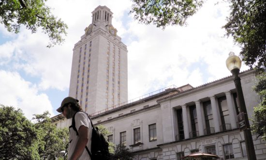Homeless Man Charged After Threatening to 'Shoot All the Rich Kids' at the University of Texas