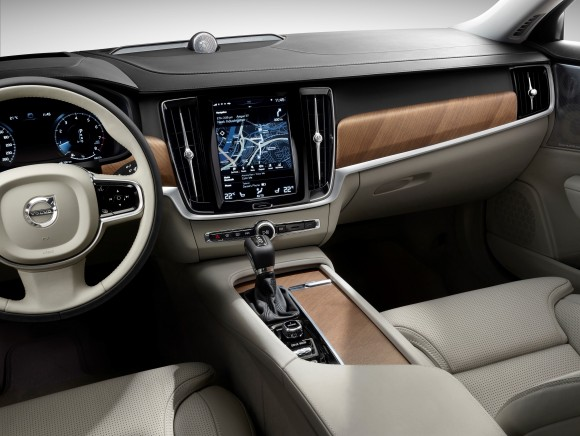 Volvo S90 cockpit (Courtesy of David Taylor)