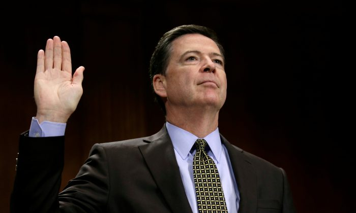 """FBI Director James Comey is sworn in to testify before a Senate Judiciary Committee hearing on """"Oversight of the Federal Bureau of Investigation"""" on Capitol Hill in Washington on May 3, 2017. (REUTERS/Kevin Lamarque)"""