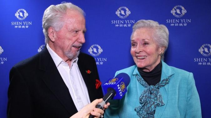 "Renowned, prolific actress Lee Meriwether and actor Marshall Borden (""A Christmas Carol"") thoroughly enjoyed Shen Yun Performing Arts at the Fred Kavli Theatre on March 29, 2017. ""I think they were wonderful. I think they are marvelous, really, truly grand,"" Mr. Borden said. (Alice Su/NTD Television)"