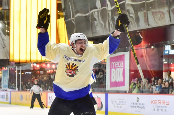 Steven Johnston of Pandoo Nation celebrates after scoring the winning goal against Totachi CCCP in the final of the International Elite Division of the Mega Ice 2017 Hockey 5's on May 6, 2017. (Bill Cox/Epoch Times)