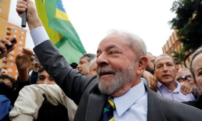 Former Brazilian President Luiz Inacio Lula da Silva arrives at Federal Justice for a testimony in Curitiba, Brazil on May 10, 2017. (REUTERS/Nacho Doce)