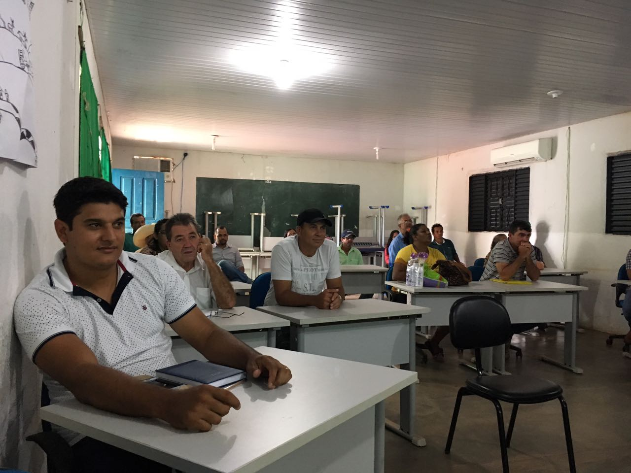A file photo of a multi-stakeholder meeting in Confresa, Mato Grosso, Brazil, held as part of Earth Innovation Institute's efforts to establish jurisdictional certification in the state of Mato Grosso. (Joyce Brandao)