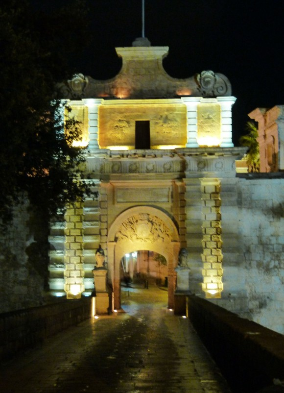Entrance to the medieval walled city of Mdina, (Manos Angelakis)