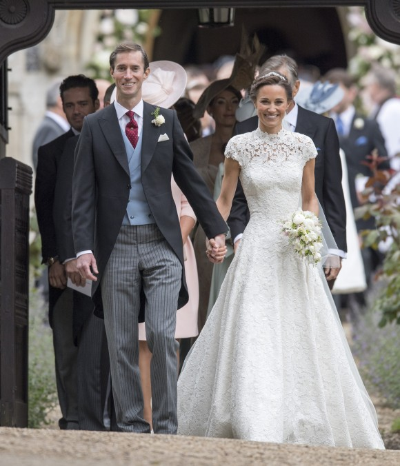 ENGLEFIELD GREEN, ENGLAND - MAY 20: Pippa Middleton and James Matthews after their wedding at St Mark's Church on May 20, 2017 in Englefield, England.(Photo by Arthur Edwards - WPA Pool/Getty Images)