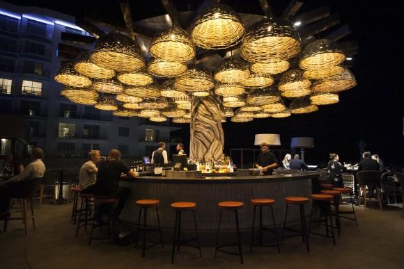 Bar at Hotel Pasea in Huntington Beach, California. (Channaly Philipp/Epoch Times)