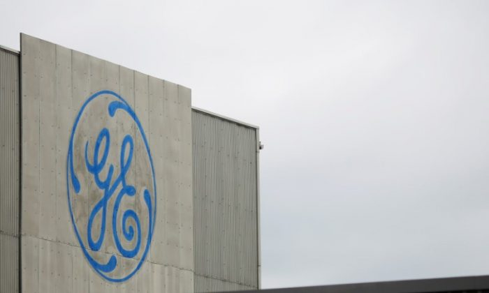 A sign marks a General Electric (GE) facility in Medford, Mass., on April 20, 2017. (REUTERS/Brian Snyder)