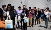 US Jobless Claims Rise, Labor Market Still Tight