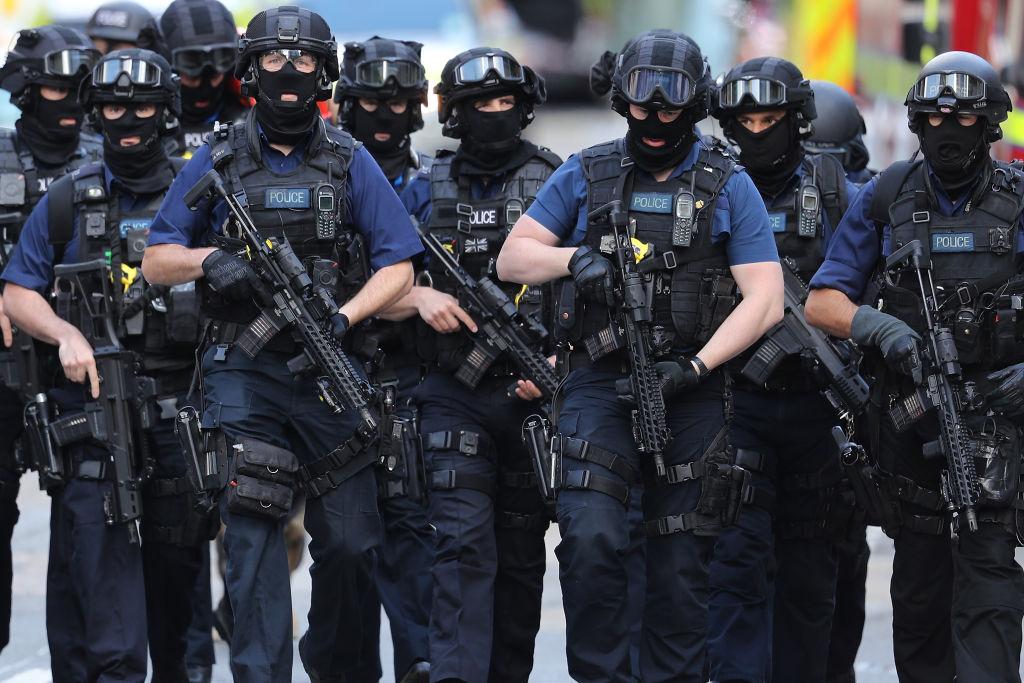 Counter terrorism officers march near the scene of last night's London Bridge terrorist attack in London, England on June 4, 2017. (Dan Kitwood/Getty Images)