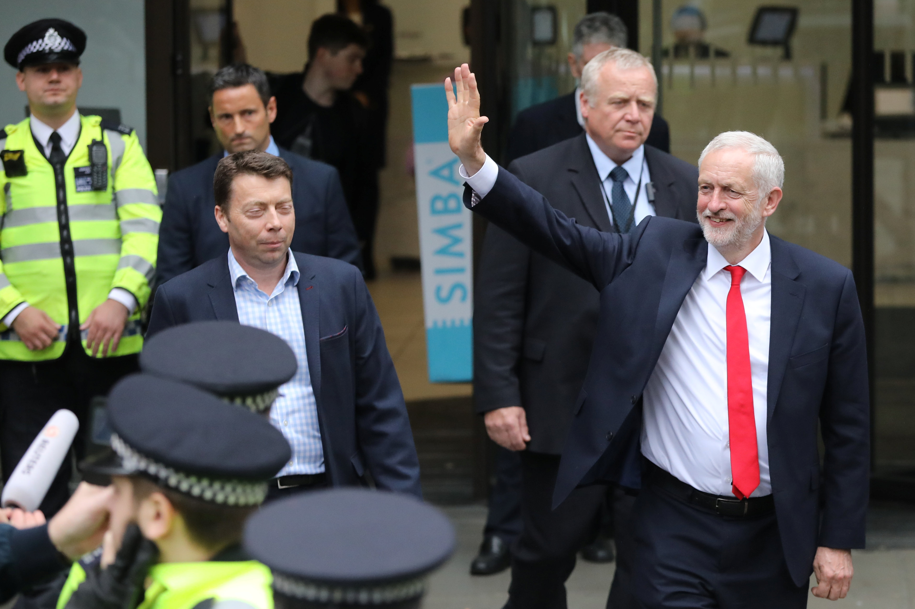 Jeremy Corbyn, leader of Britain's opposition Labour Party, leaves the Labour Party's Headquarters on the morning after Britain's election in London, Britain on June 9, 2017. (REUTERS/Marko Djurica)