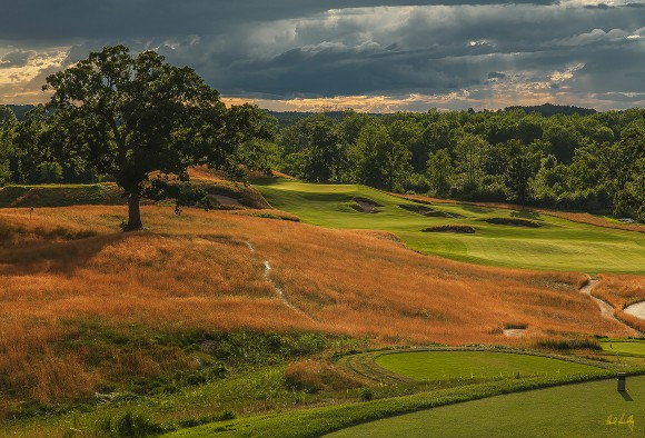 The par-4 15th is not a long hole, but requires a marrying of sound strategy and proper execution. (Paul Hundley PhotoGraphics)