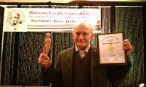 Canadian Human Rights Lawyer David Matas Honoured with Gandhi Award