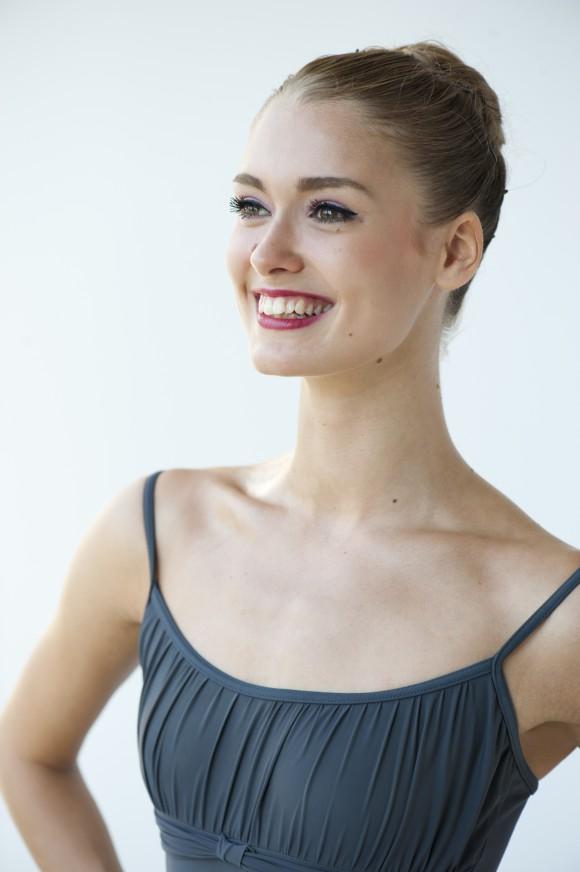Dancer Hannah Fischer (Sian Richards)