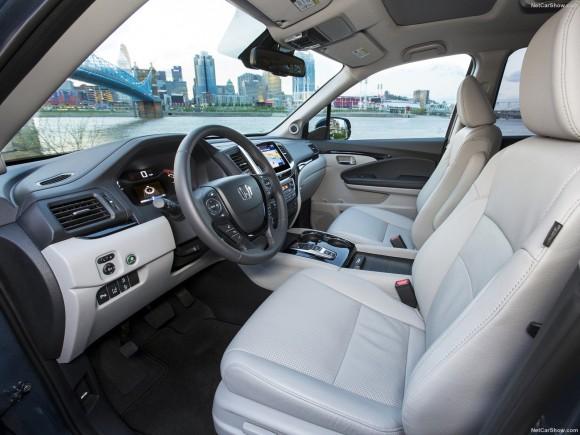 The interior of the 2017 Honda Pilot. (Courtesy of NetCarShow.com)
