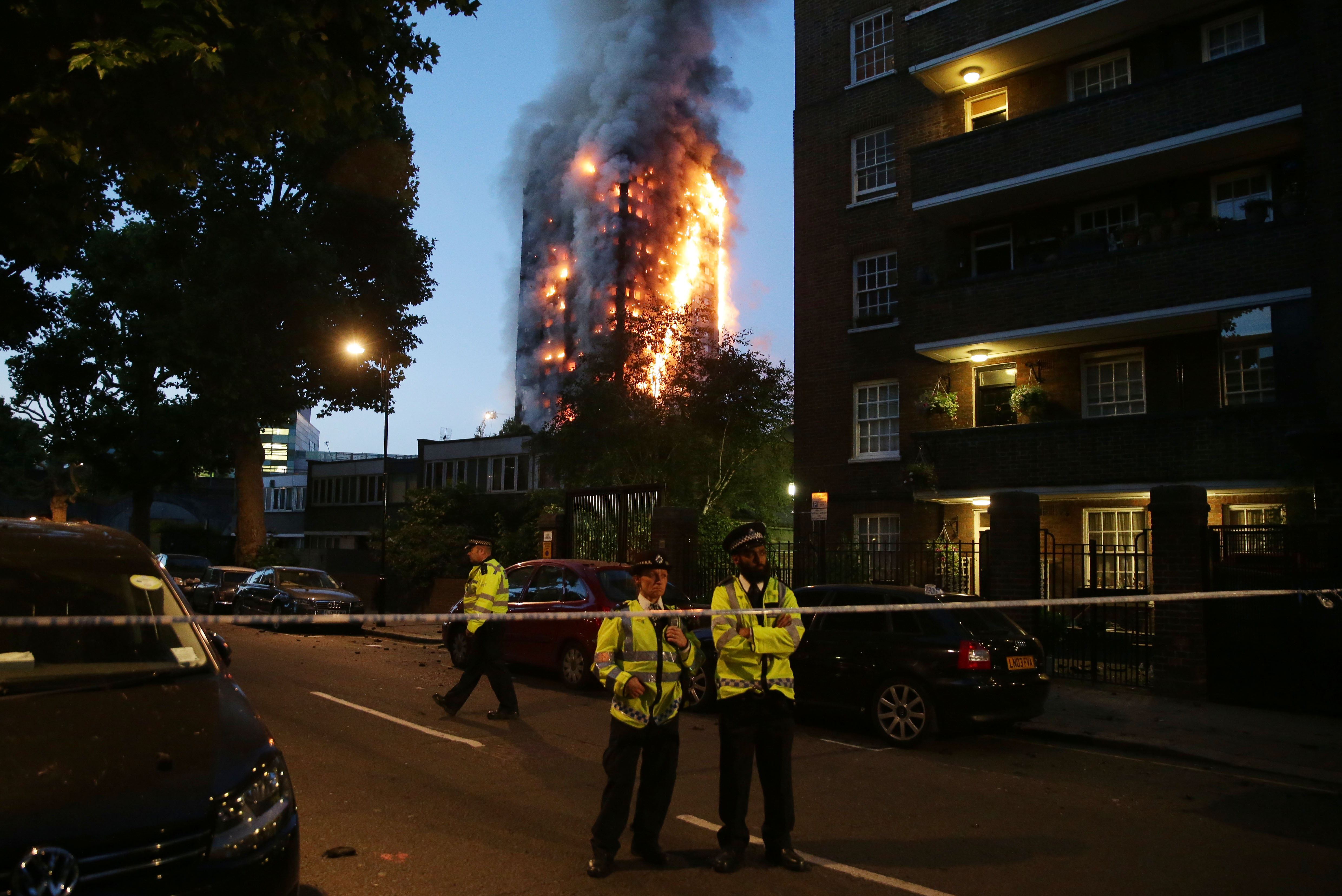 A huge fire engulfs the Grenfell Tower in West London on June 14, 2017. (DANIEL LEAL-OLIVAS/AFP/Getty Images)