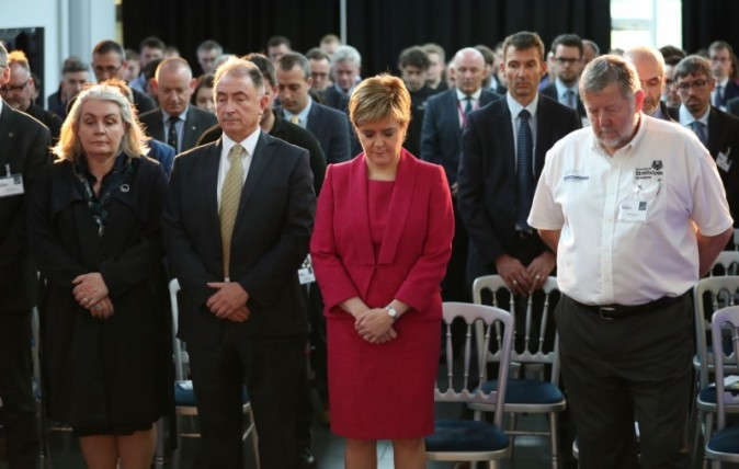 Scotland's First Minister Nicola Sturgeon observes a minute's silence in memory of those who died in the Grenfell Tower fire during a visit to the Advanced Forming Research Centre in Renfrew, Glasgow,  June 19, 2017. (Jane Barlow/Reuters/Pool)