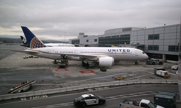 A United Airlines plane sits on the tarmac at San Francisco International Airport on June 10, 2015 in San Francisco, California.  (Justin Sullivan/Getty Images)