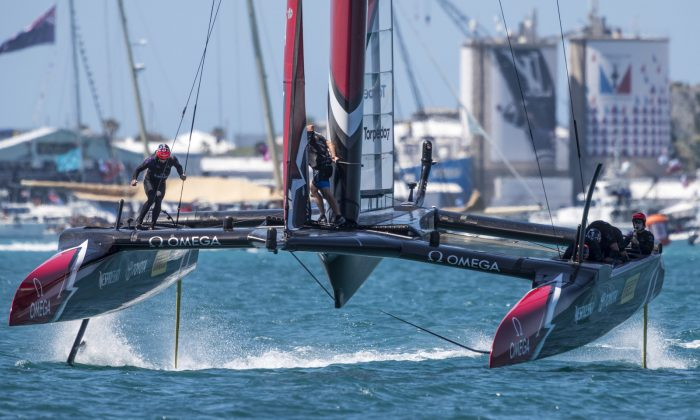 Emirates Team New Zealand forge a 3 point lead after 4 races at the end of Day 2 (June 18) of the America's Cup being held in Bermuda. Racing restarts on Saturday June 24 following a few days break. (ACEA 2017 Ricardo Pinto)