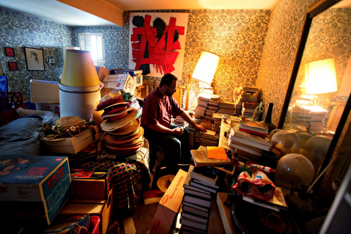 How to win the battle against hoarding and make your way to an organized life