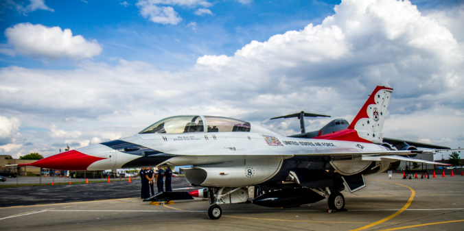 An F-16 Thunderbird before the New York Air Show at the Stewart Air National Guard Base in Newburgh on Sept. 1, 2016. (Colin Fredericson/Epoch Times)