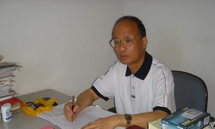 Zheng Enchong, a Shanghai-based human rights lawyer. (Epoch Times)