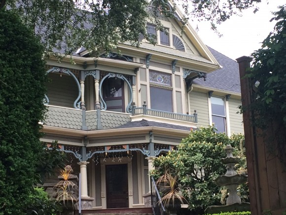 The historic John Palmer House in B&B Portland, built in the 1890s. (Beverly Mann)
