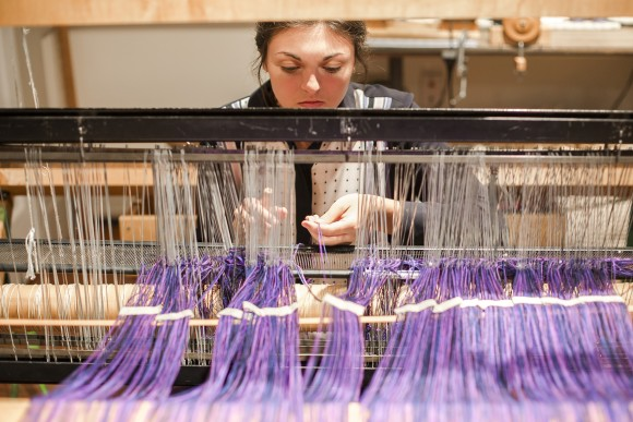 Weaver Andrea Barnes in the weaving studio at Nantucket Looms. (Samira Bouaou/The Epoch Times)
