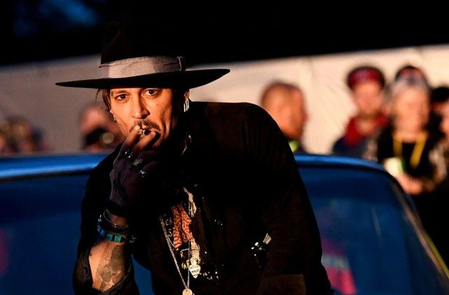 Actor Johnny Depp poses before presenting his film at the Glastonbury Festival in Britain, June 22, 2017.  (REUTERS/Dylan Martinez/File Photo)