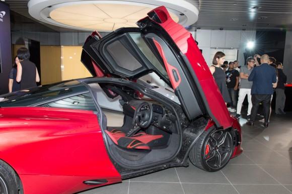 Views of the McLaren 720S cockpit with doors open. (Bill Cox/Epoch Times)