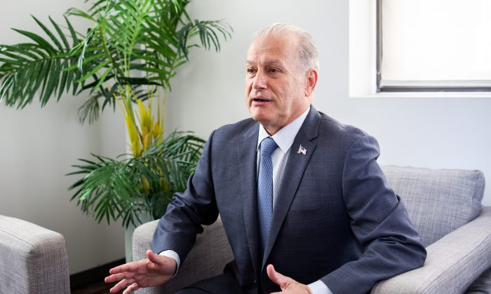 Mayoral hopeful Rocky De La Fuente at the headquarters of the Epoch Media Group in New York on July 6, 2017. (Petr Svab/The Epoch Times)