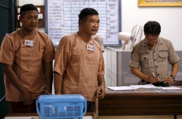 FILE PHOTO: Lieutenant-General Manas Kongpan, a suspected human trafficker, walks near a prison cell at the criminal court in Bangkok, Thailand, March 15, 2016.  (Reuters/Chaiwat Subprasom/File Photo)