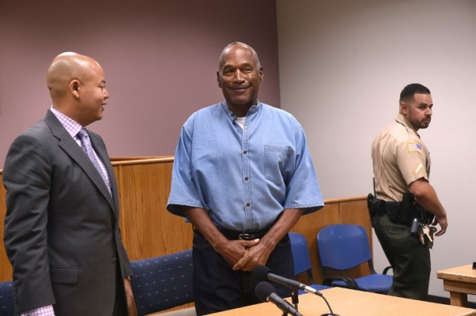 O.J. Simpson arrives for his parole hearing at Lovelock Correctional Centre in Lovelock, Nevada, U.S. July 20, 2017.  REUTERS/Jason Bean/POOL