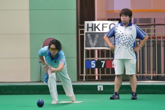 Hong Kong Football Club player Vivian Yip (standing at back) missed the chance to win her second National Indoor Singles title after losing out to Danna Chiu from Tuen Mun Sports Association at the final last Saturday, July 15, 2017. (Mike Worth)
