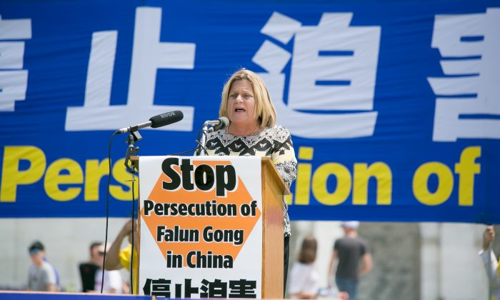 Congresswoman Ileana Ros-Lehtinen (R-Fla.) condemns the persecution of Falun Gong practitioners in China and its massive live organ harvesting of nonconsenting persons. The rally was on the West Lawn of the Capitol, July 20. (Lisa Fan/ Epoch Times)