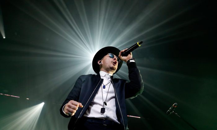 """Chester Bennington of Linkin Park performs during CBS RADIO's two-night """"SPF"""" concert at The Chelsea inside The Cosmopolitan of Las Vegas on May 19, 2017 in Las Vegas, Nevada. The band's performance coincided with their highly anticipated seventh studio album release, """"One More Light.""""  (Photo by Isaac Brekken/Getty Images for CBS Radio Inc. )"""