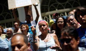 Venezuela Crisis Enters Pivotal Week, Maduro Foes Protest