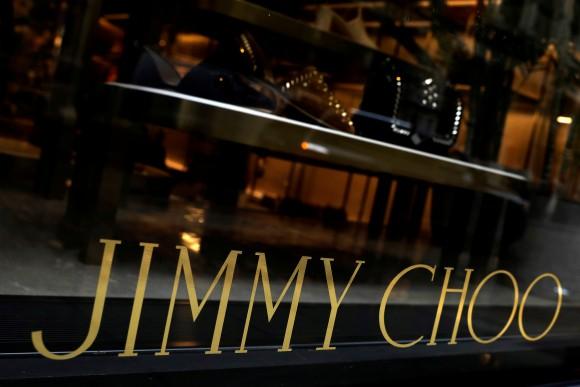 Window of the Jimmy Choo store in New York City, April 24, 2017. (Reuters/Brendan McDermid/File Photo)