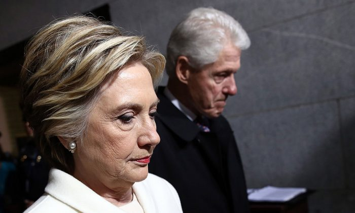 Former Democratic presidential nominee Hillary Clinton (L) and former President Bill Clinton arrive on the West Front of the U.S. Capitol on January 20, 2017 in Washington, DC. In today's inauguration ceremony Donald J. Trump becomes the 45th president of the United States.  (Win McNamee/Getty Images)