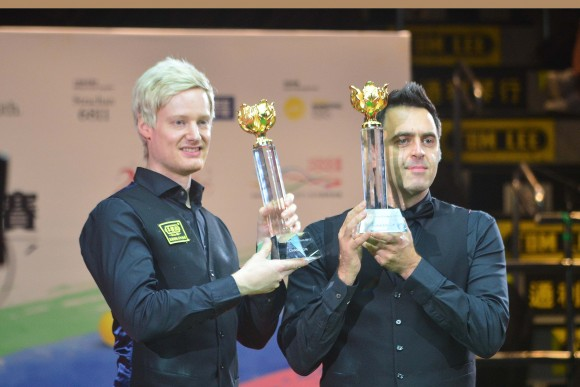 Neil Robertson Hong Kong Masters' Champion together with finalist Ronnie O'Sullivan on Sunday July 23. (Eddie So)