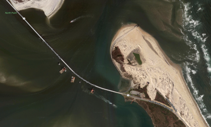 Herbert C. Bonner Bridge connects Hatteras (bottom) and Bodie islands. Signs of construction of a new bridge are visible along the southern part of the bridge. (Google Maps)