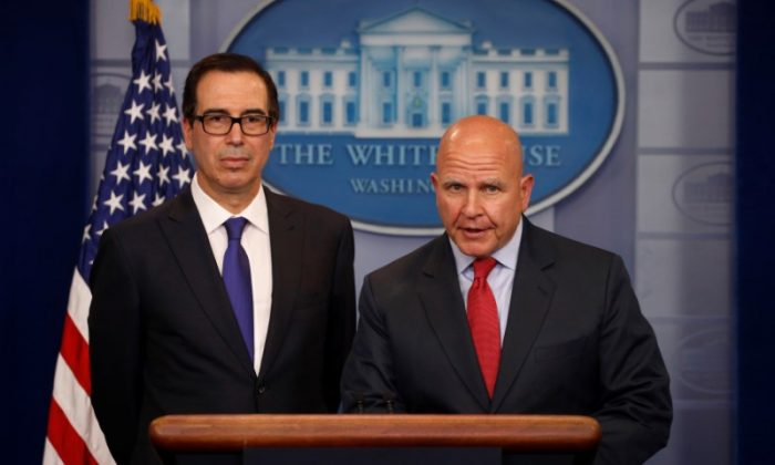 Treasury Secretary Steven Mnuchin (L) and National Security Advisor H.R. McMaster address sanctions on Venezuelan President Nicolas Maduro during the daily press briefing at the White House in Washington on July 31, 2017.  (REUTERS/Jonathan Ernst)