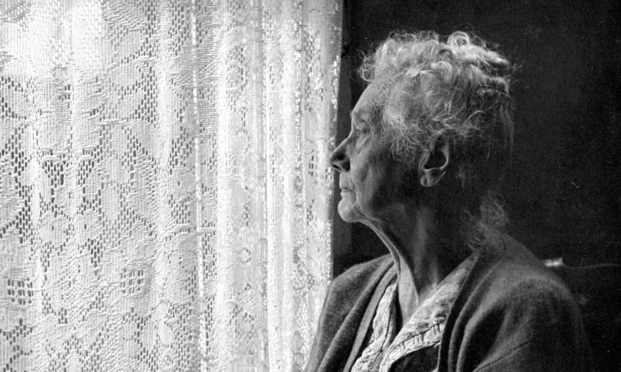 An elderly woman. (Chalmers Butterfield/Wikimedia Commons/ CC BY 2.5)