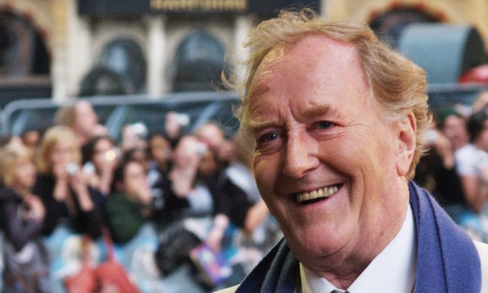 "British actor Robert Hardy arrives in London's Leicester Square for the European Premiere of his latest film ""Harry Potter and the Order of the Phoenix"" on July 3, 2007. (MAX NASH/AFP/Getty Images)"