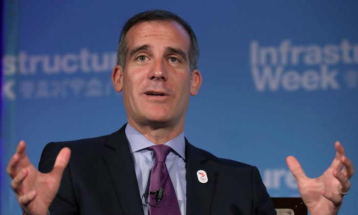 Los Angeles Mayor Eric Garcetti participates in a panel discussion during the U.S. Chamber of Commerce's 'Infrastructure Week' program in Washington, DC, on May 15, 2017.  (Chip Somodevilla/Getty Images)