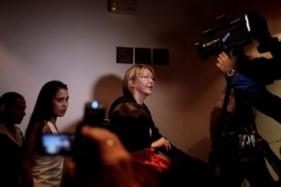 Venezuela's chief prosecutor Luisa Ortega Diaz leaves after a news conference in Caracas, Venezuela, July 31, 2017. (Reuters/Marco Bello)