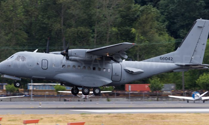 CASA CN-235-300 airplane, callsign SPUD21, serial 96-6042, at Boeing Field airport, Seattle, Wash., on July 23, 2017. (Woodys Aeroimages/CC BY-NC-ND 2.0)